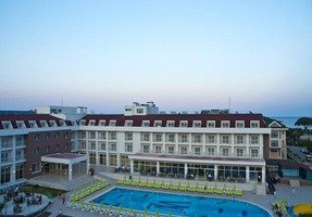 Mg White Lillyum Hotel